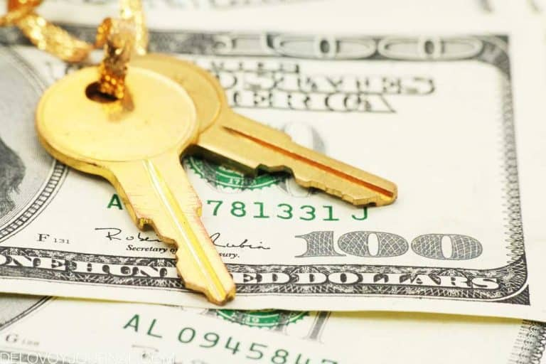 Продажи на рынке жилья сократились