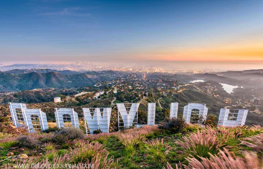 Hollywood - обычная рекламная вывеска