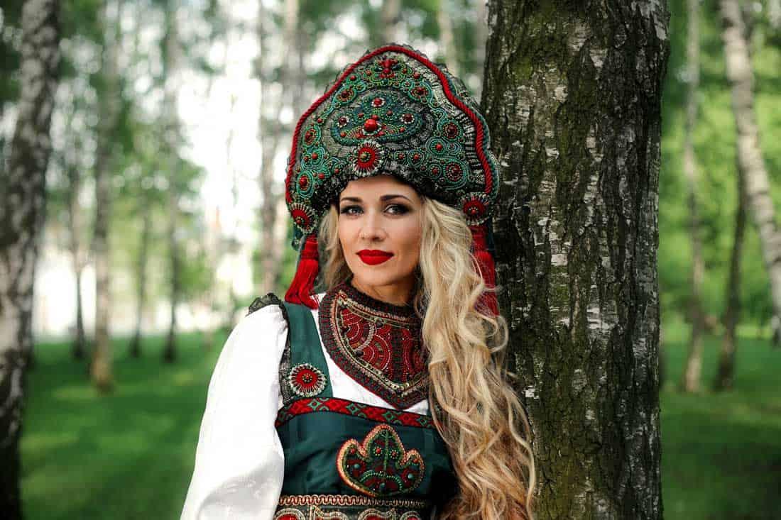 Заслуженная артистка РФ Олеся Евстигнеева