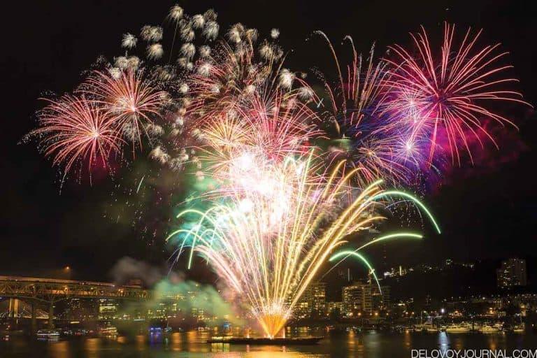 День Независимости. Фейерверки в Портленд, Орегон, США