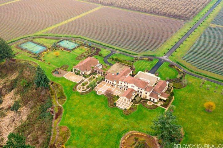 Del Mar Villa – вечно-зеленое имение Делфорда Смита