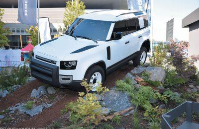 Новое десятилетие с Land Rover Defender 2020