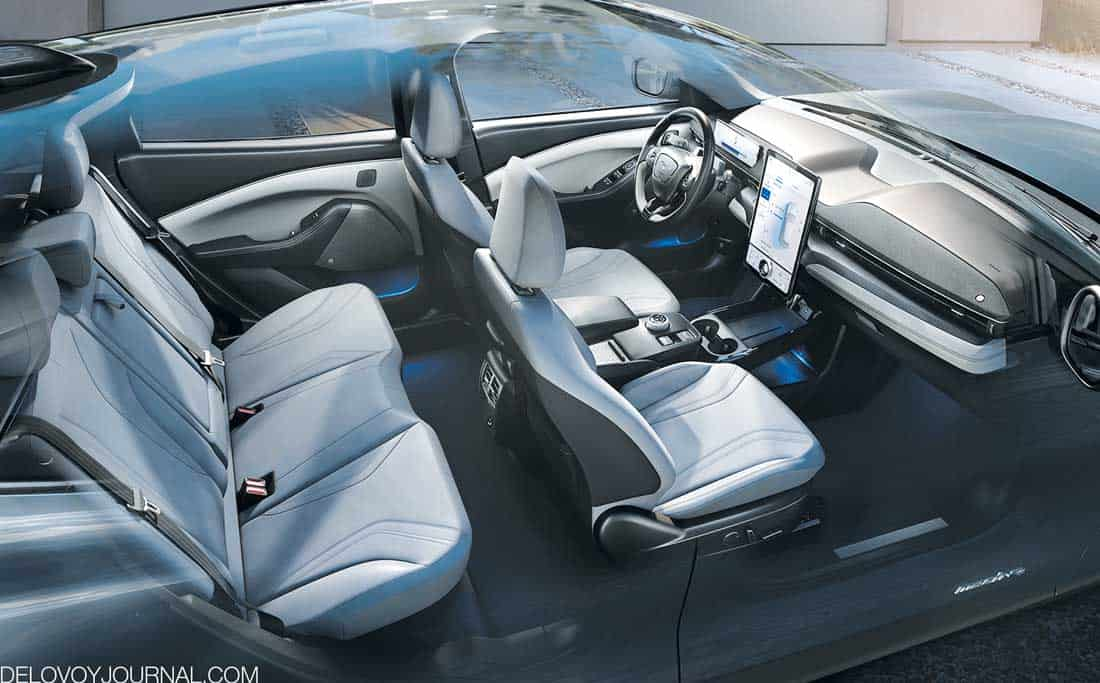 Салон Ford Mustang Mach-E