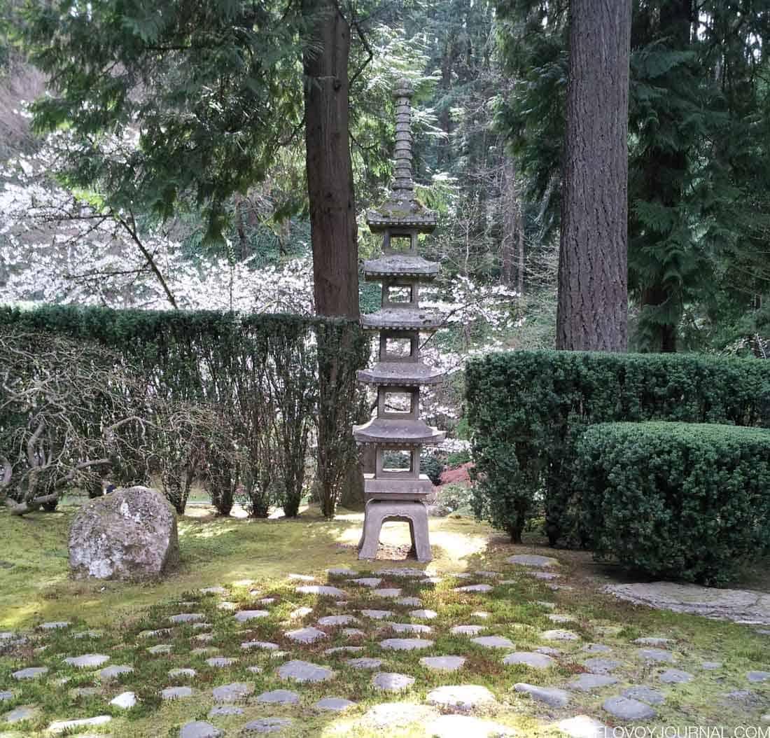 Спокойная атмосфера японского сада