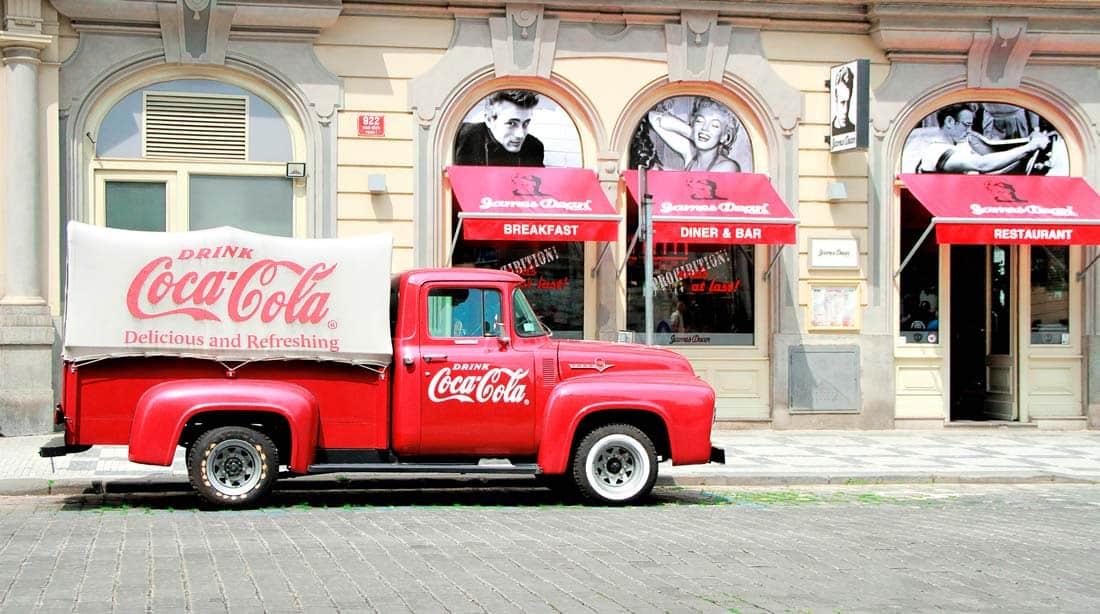 Винтажный грузовик Кока-Кола