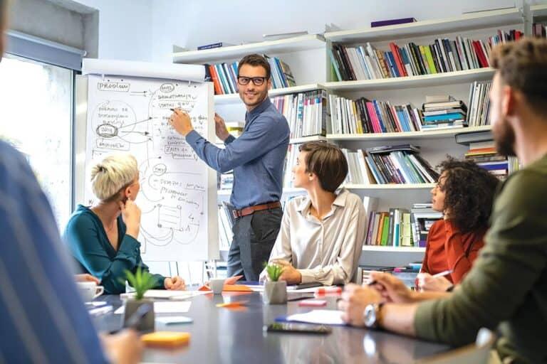 Несколько решений, как бизнесу действовать в трудные времена